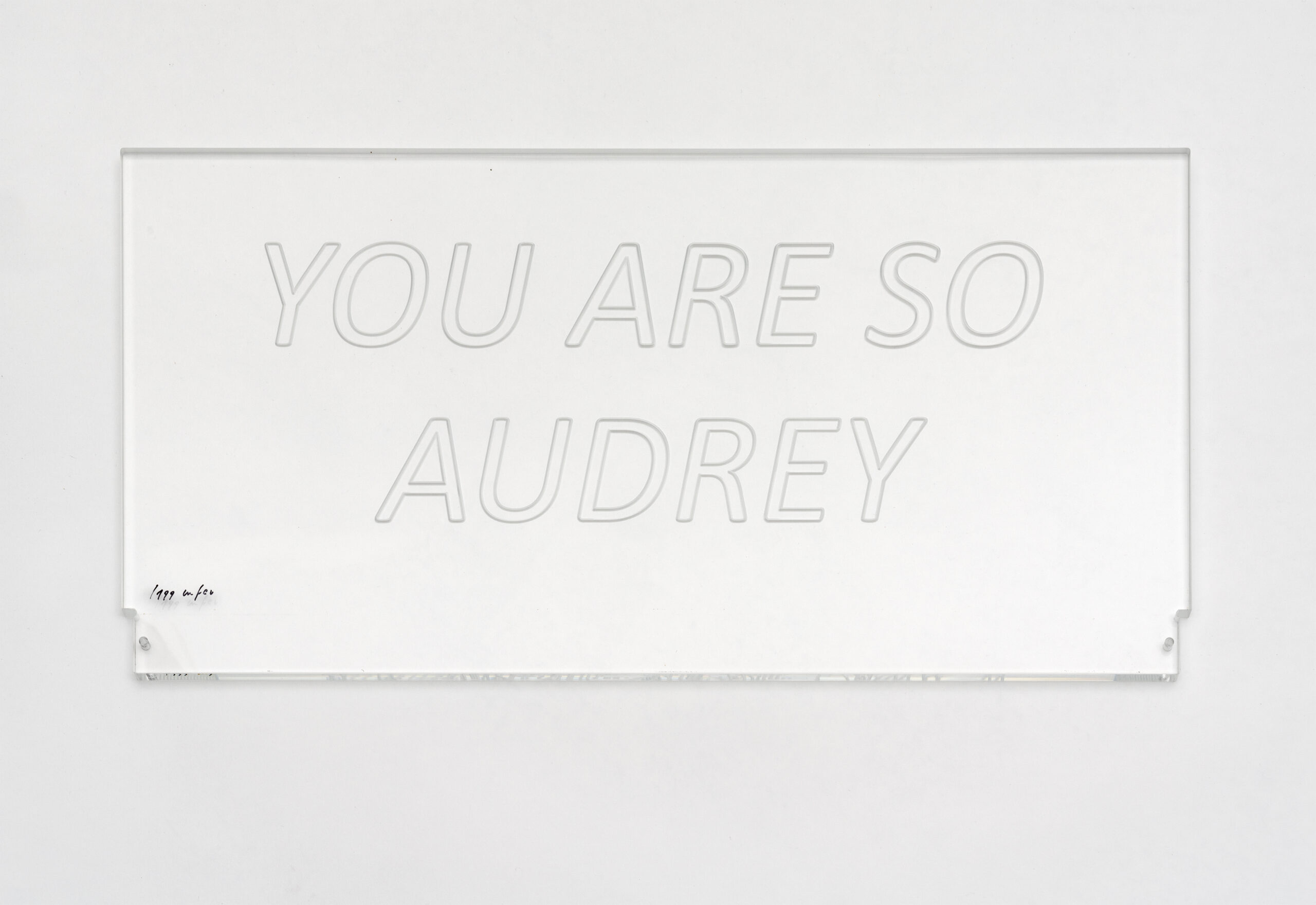 you-are-so-audrey-acryglas-simple
