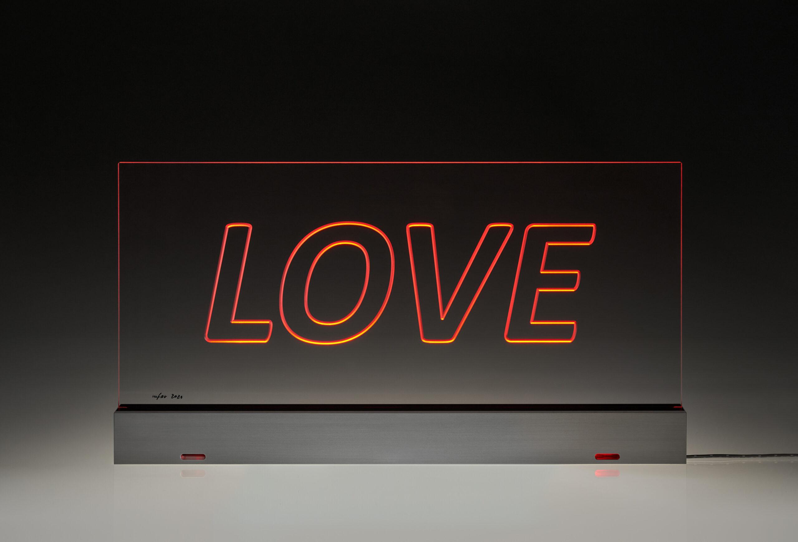 mfar_8057_LOVE_dunkel_red